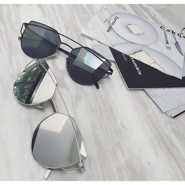 店主私物 時髦人必備 gm設計感墨鏡 帶鏡盒