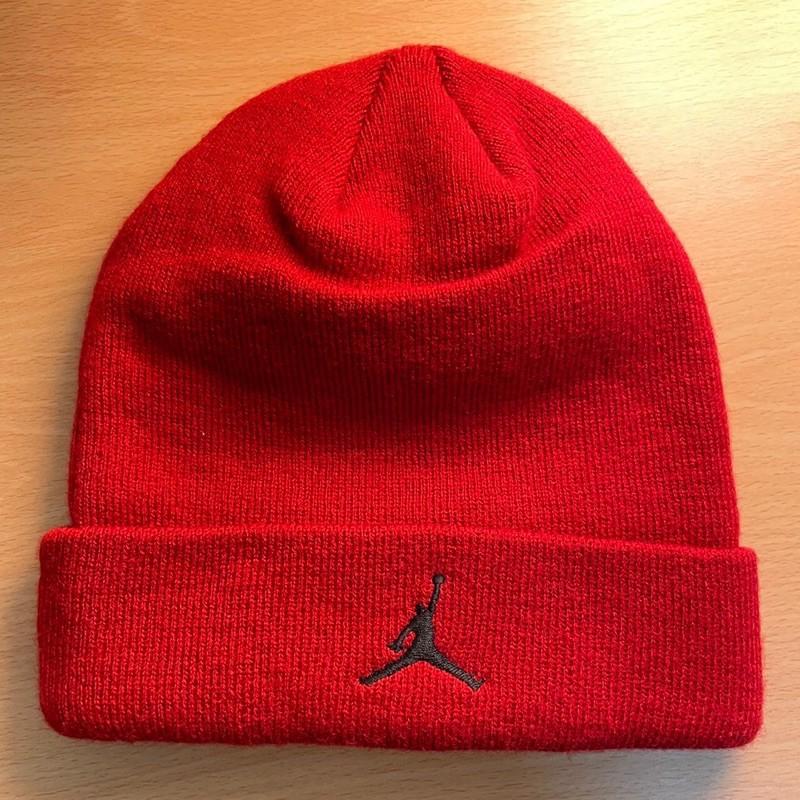 Jordan紅色毛帽