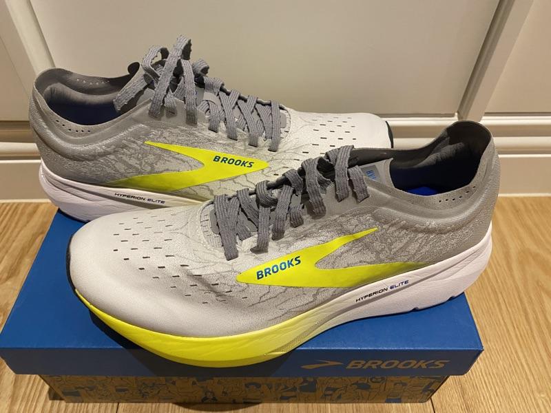 正品 全新 BROOKS 碳纖維跑鞋 Hyperion Elite 男鞋 競速 競賽型 高抓地力 灰 黃 US 9.5