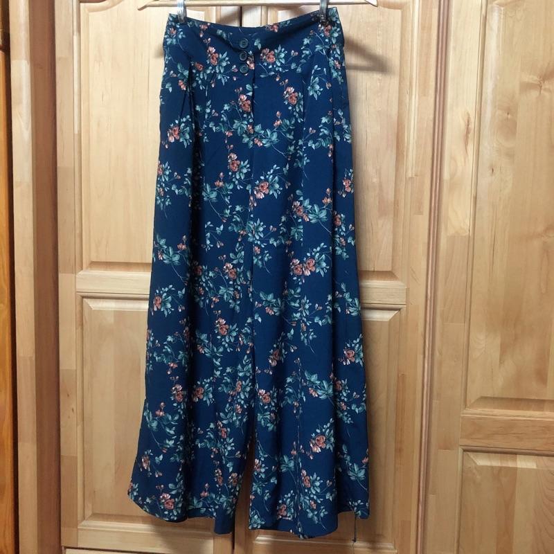 ✨現貨9.5成新✨ 藍底小花顯瘦長腿寬褲