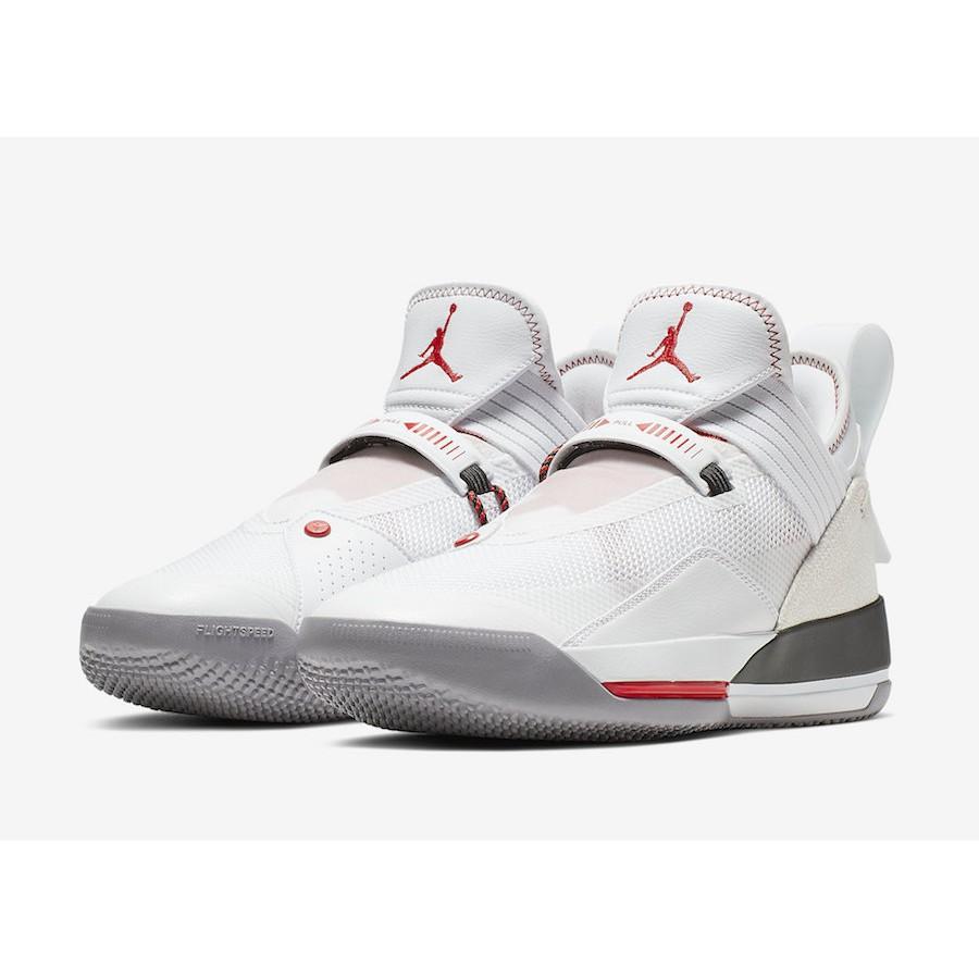 正品 NIKE Jordan 33 Low SE AJ33 低筒 籃球鞋 米白 CD9561-106 現貨