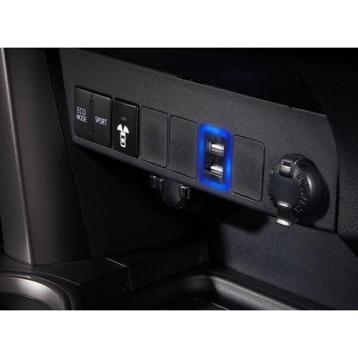 巨城汽車精品 豐田 TOYOTA 2018 CHR AURIS RAV4 原廠 USB 增設 充電 含 LED 燈