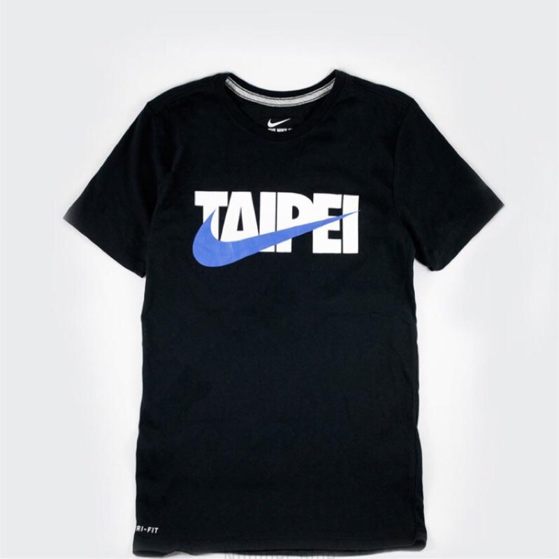 【美國老朋友】Nike Taiwan Taipei 短T 世大運支持台灣 黑底藍勾 1211010