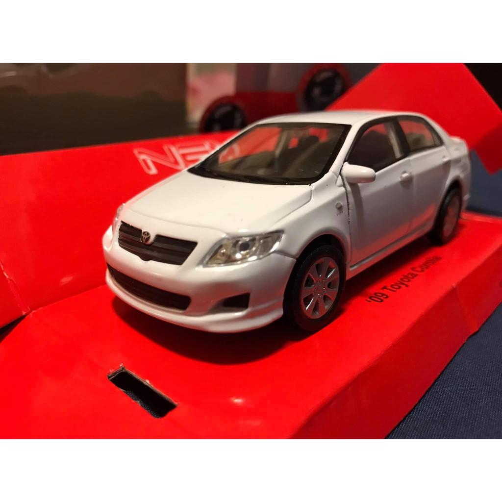 豐田 corolla altis 1/36 全新盒裝 合金模型迴力車 模型車 白色