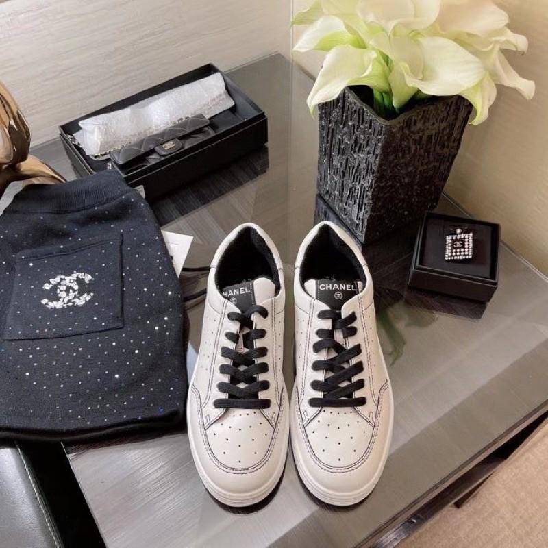 休閒中的小貴氣 香奈兒 Chanel 輕鬆舒適休閒鞋 運動鞋 私留款♥️喜歡