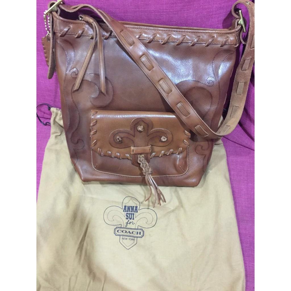 Coach與Anna Sui聯名款限量發售全皮革斜背包