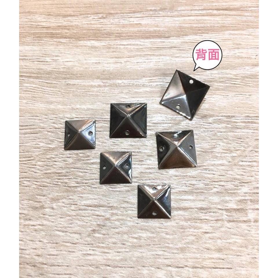【裝飾縫片】金字塔造型卯釘裝飾縫片