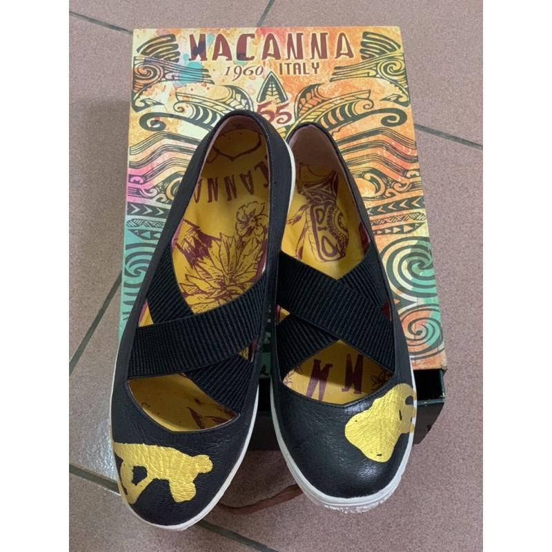 MACANNA(麥坎納)交叉平底鞋