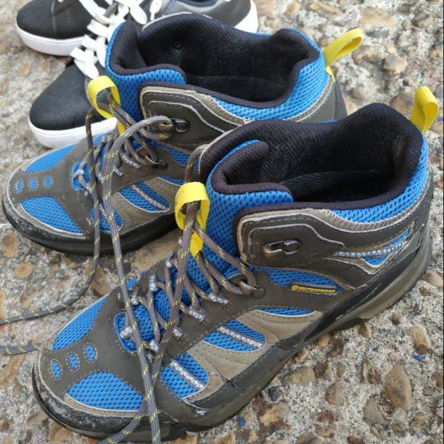 Hi-tec的登山鞋