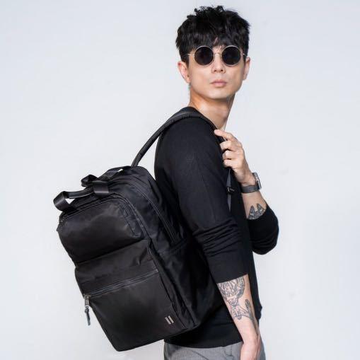 ☆SUMDEX☆人體工學設計高級後背包 網路最低價 經典 雙用 商務 後背包 時尚 平板包 筆電包 605BK 黑色