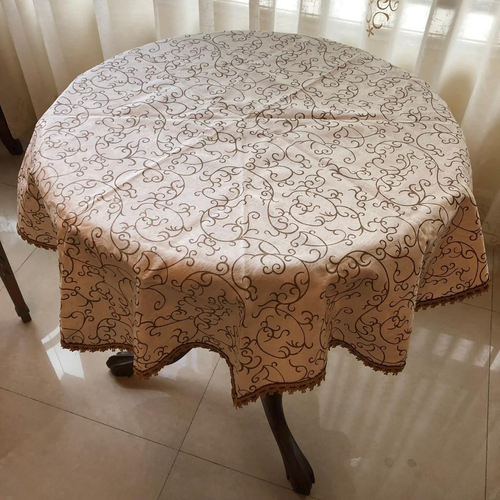 花紋 圓桌 條紋桌巾