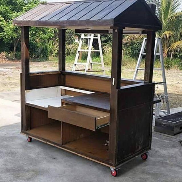 木頭實心攤車,自行創業的好攤車,凹槽可放2.4呎的煎台,有加裝全新的抽油煙機,以免檢舉罰錢,原價4萬以上,在彰化
