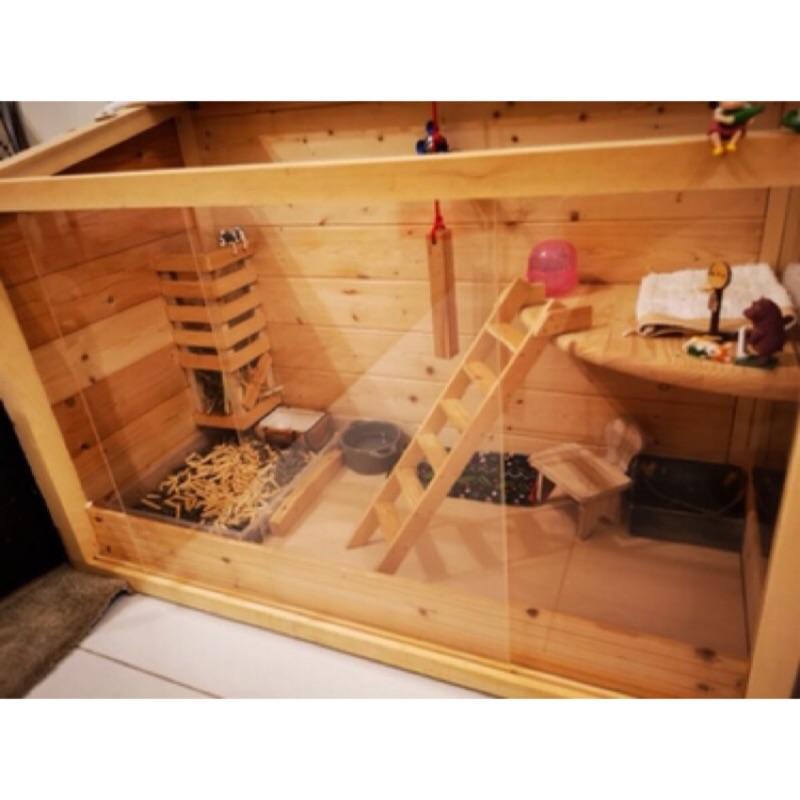 [Judy二手良品] 商品名稱:訂製商品 天竺鼠房 兔籠 倉鼠窩  刺蝟窩 尺吋 佈置皆可客製 木屋 籠子 鼠籠 龍貓