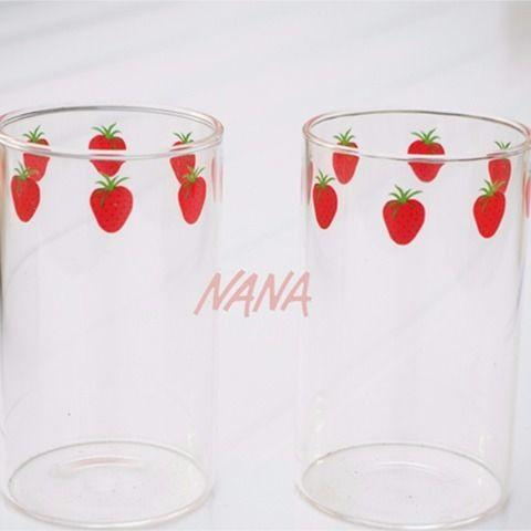 ✠◈❖爆款現貨 漫畫版NANA草莓玻璃杯 高硼硅耐熱玻璃 可愛草莓牛奶杯 300ml 可愛女隨手奶茶杯子 學生便利攜水杯