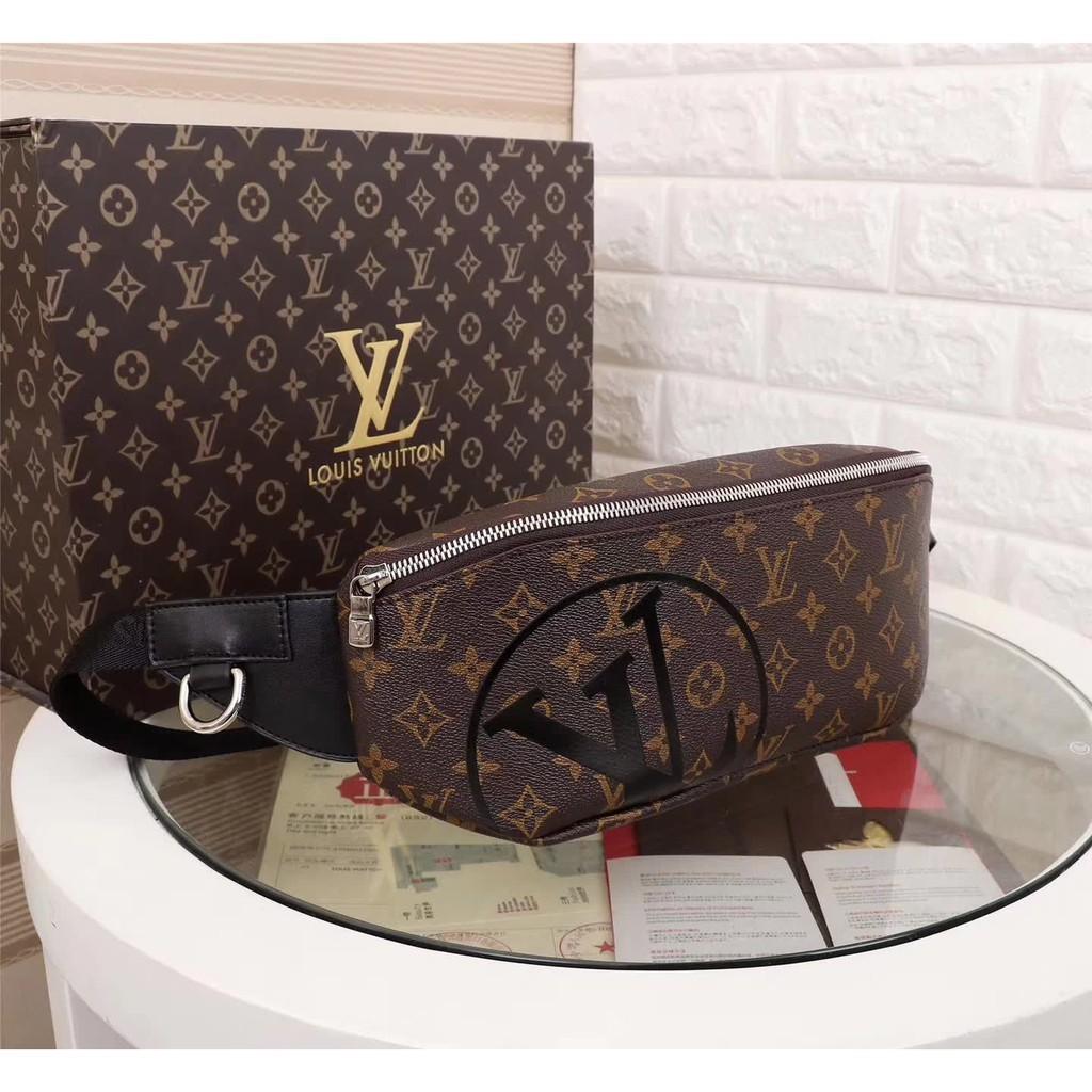 [yiyi購]頂級品質 LV 腰包 最新爆款 正品實拍 lv老花側背包 斜背包 胸包 零錢包