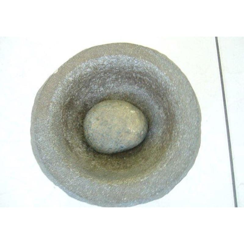 古早石磨~秤錘~~石臼~~石搥~搥龜~~民藝~民俗藝術品~稀奇古怪~原始美術~二手跳蚤市場