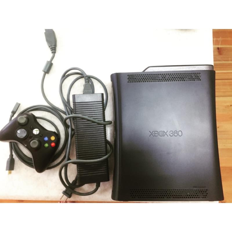 二手 X box360 120GB HDD+24片正版遊戲片+搖桿*1