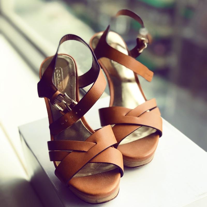 Coach 涼鞋