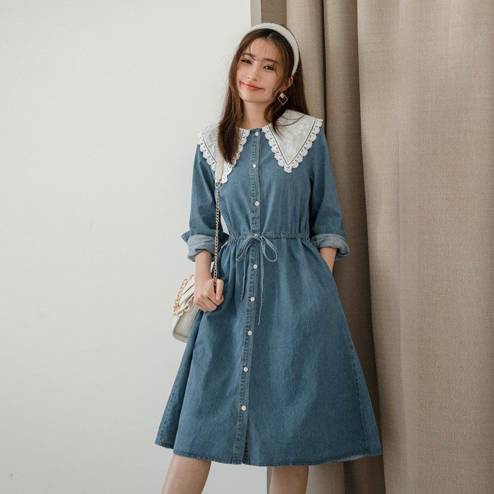 MIUSTAR 鄉村風蕾絲領腰綁帶排釦牛仔洋裝(共2色)連身裙 長袖洋裝 0302 預購【NJ0137】