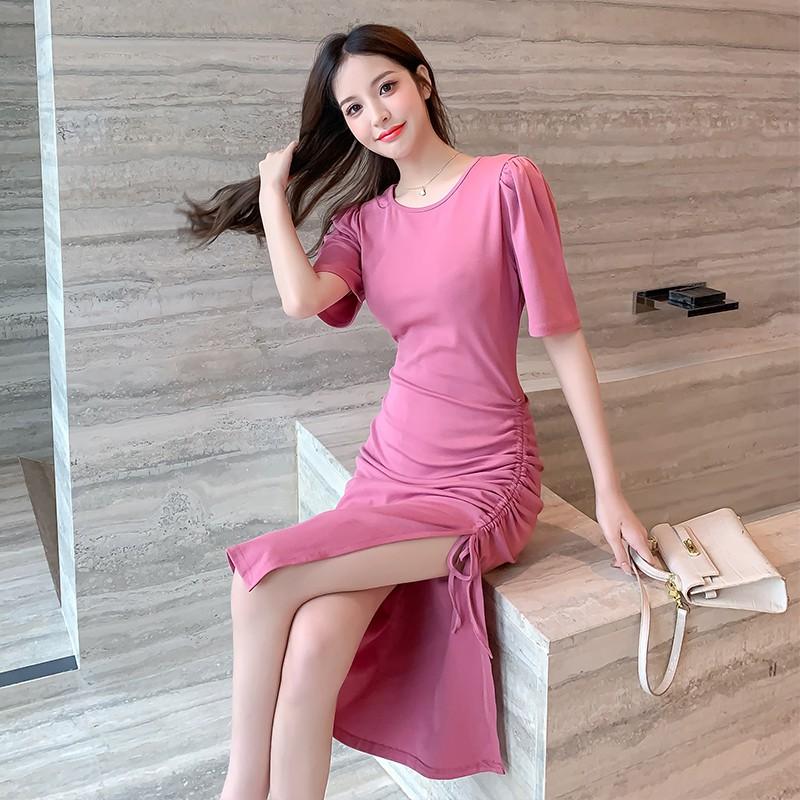 東方魅力 性感洋裝 外出洋裝 顯瘦連身裙 夏裝新款小心機開叉連衣裙氣質修身泡泡袖中長裙女 優質現貨 快速出貨