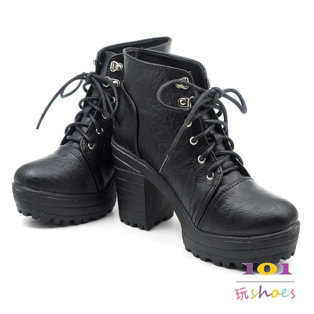 【101玩SHOES】MIT 前墊高 雙飾釦條 粗跟質感馬靴女鞋中跟包鞋 黑色 36-40碼