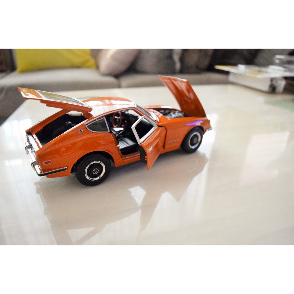 {絕版倉庫} 1:18 DATSUN 240Z 傳奇絕版!!!!! 一輛完全原廠設定(毫無改裝)的1970年式Datsu
