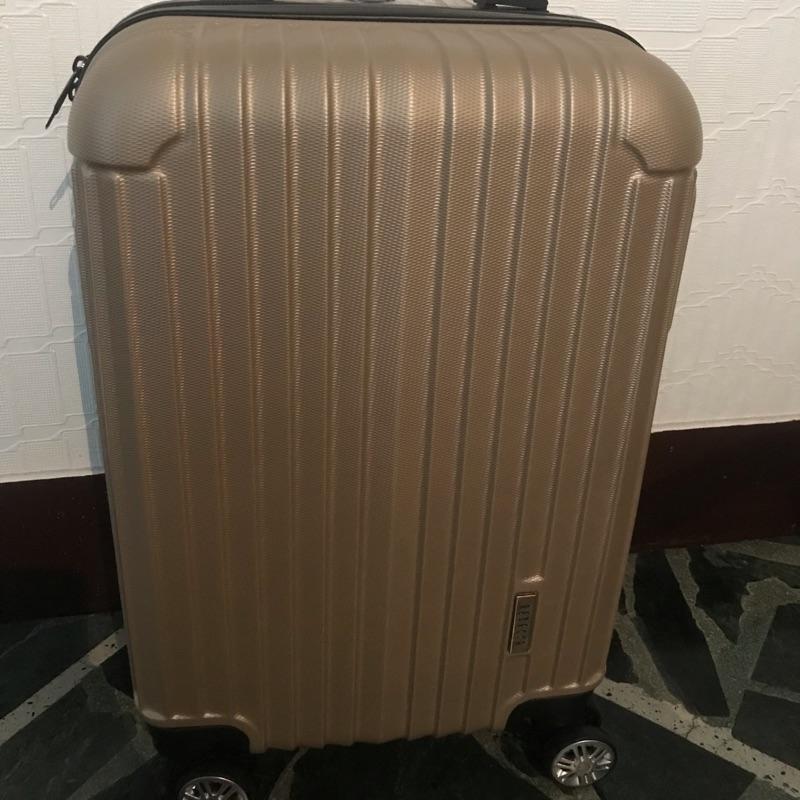 全新 Rebacca 20吋 四輪 abs 直條 香檳金 行李箱 登機箱 密碼鎖