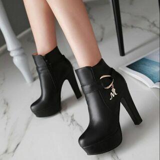 大尺碼 短靴 女鞋 40 41 42 43 25 25.5 26 26.5 高跟鞋 短靴 女鞋 大尺碼 大尺寸 彰化縣