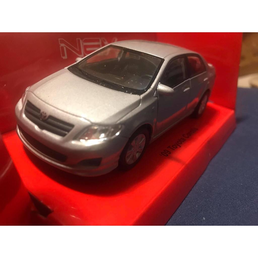 豐田 corolla altis 1/36 全新盒裝 合金模型迴力車 銀色款 模型車