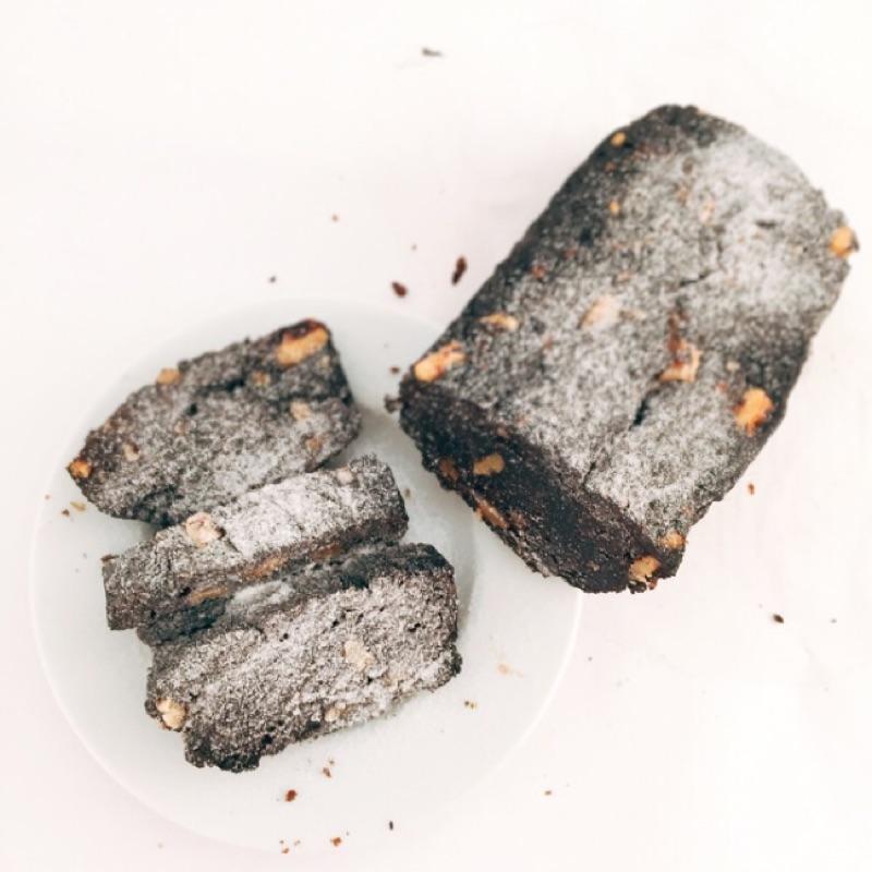 人山言己手作烘焙-布朗尼 (紮實濃郁的口感搭配上熱茶或咖啡 即可享有小確幸下午茶)