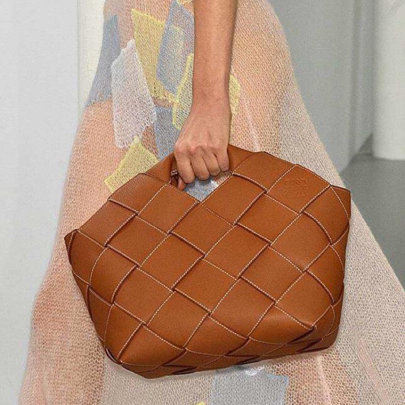 【LOEWE】破底價發售 保証正貨 型號 : Woven Basket Gingham Bag