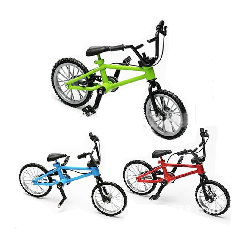 TRX-4   SCX10  攀岩車裝飾件 仿真腳踏車/自行車 輪胎和車把都可以動