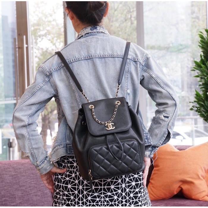Chanel A93748 Backpack 荔枝紋後背包 黑金鍊