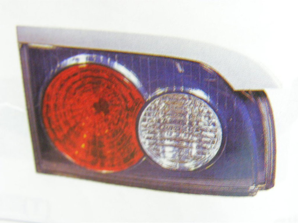 正廠 中華 三菱 SPACE GEAR 03 後燈內 倒車燈 尾燈內 其它六角鎖,全台鎖,引擎腳,把手,後視鏡 歡迎詢問