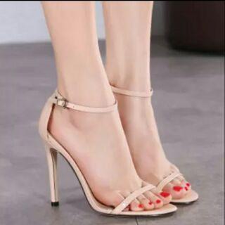 大尺碼 高跟鞋 女鞋 細跟鞋 40 41 42 43 25 25.5 26 26.5 細跟鞋 女鞋 高跟鞋 大尺碼 彰化縣