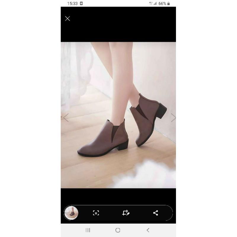 皮革鬆緊筒邊設計高跟短靴(全新)