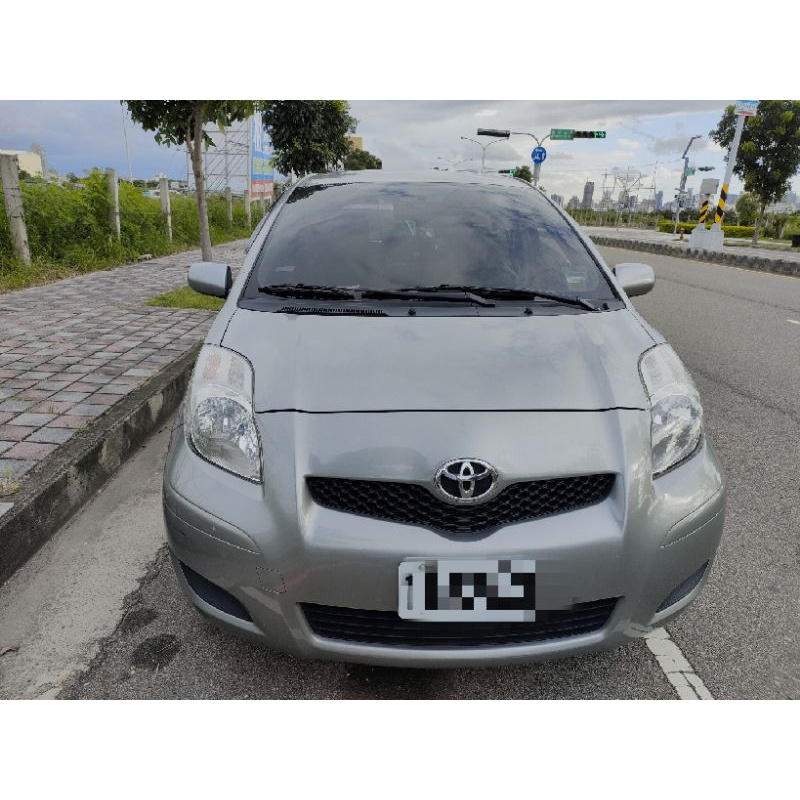 Toyota Yaris G版 車庫車 代步車 女用車 內裝乾淨如新 車主自售