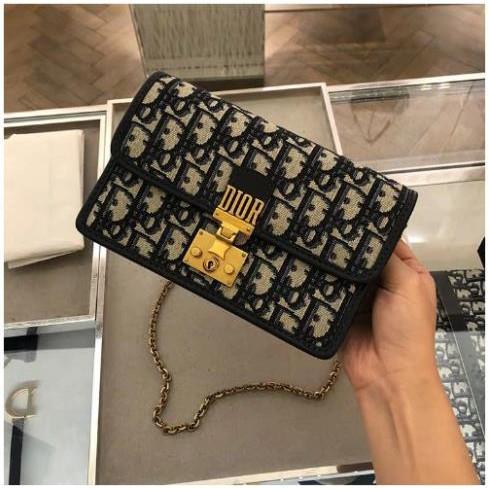 法國全新正品 Dior POCHETTE DIORADDICT Dior 手拿包/肩背包/鏈帶包 WOC現貨