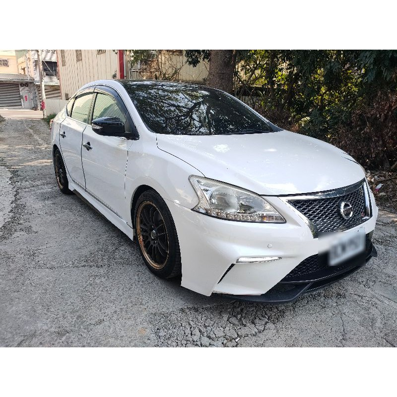 自售 Nissan sentra 1.8 售26萬 台中 0977366449