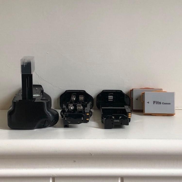 優質二手配件 Canon 550D 600D 650D 700D  美科 專用垂直外接電池把手(送副廠電池)
