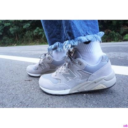 楽*NEW BALANCE NB MRT580 駝色 麂皮 復古 慢跑鞋 MRT580GE 男女 灰