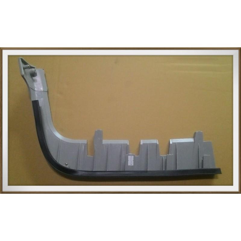 【帝益汽材】中華 三菱 DELICA 得利卡 2WD 94~12年 大燈下飾條《另有賣大燈、後燈、尾燈、角燈、方向燈》