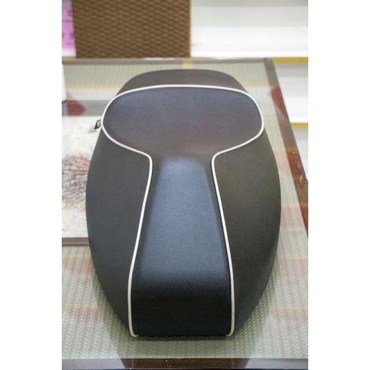 Vespa gts gtv 300 椅墊 坐墊 原廠 黑