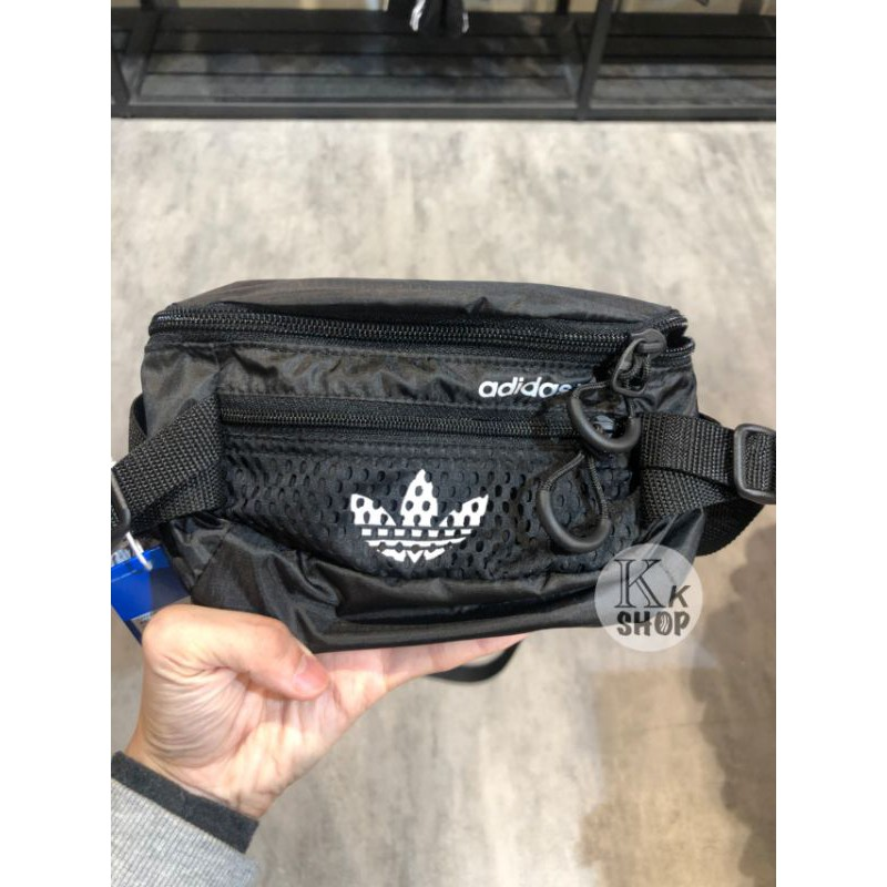 KK♦️愛迪達 adidas 腰包 側背腰包  GN2233