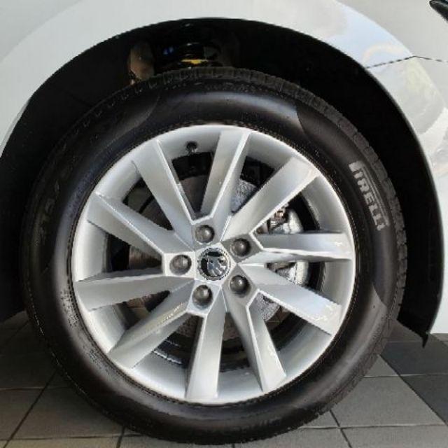 全新 17吋鋁圈 5孔112 + 輪胎 215 55 R17  skoda superb
