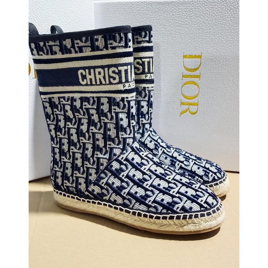 丨Dior & UGG 聯名款雪地靴  橡膠漁夫底  鞋面採用Dior花紋布外包