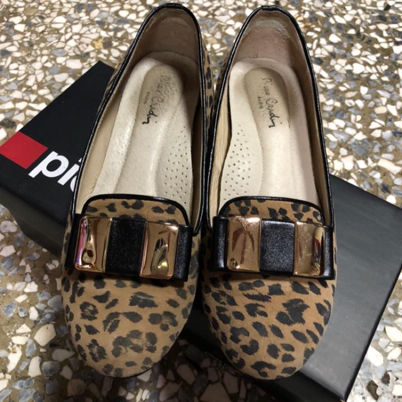 Pierre Cardin豹紋真皮內增高4cm娃娃鞋(35號)
