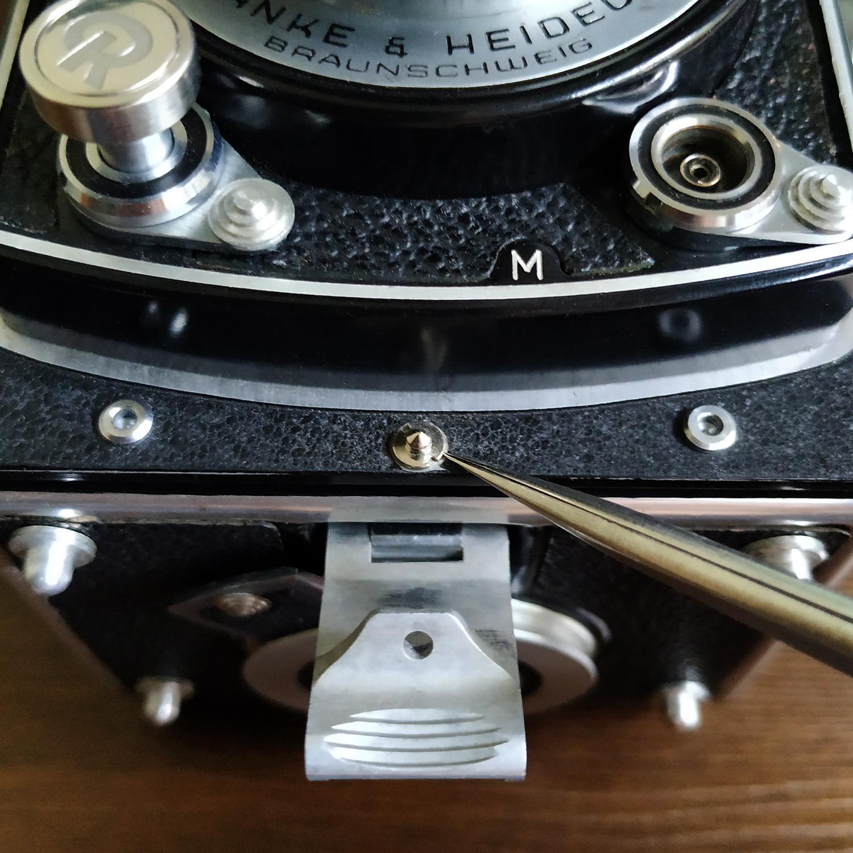 95iZ Rolleiflex/Rolleicord祿來雙反相機片倉後蓋鎖釘(維修替換零件)