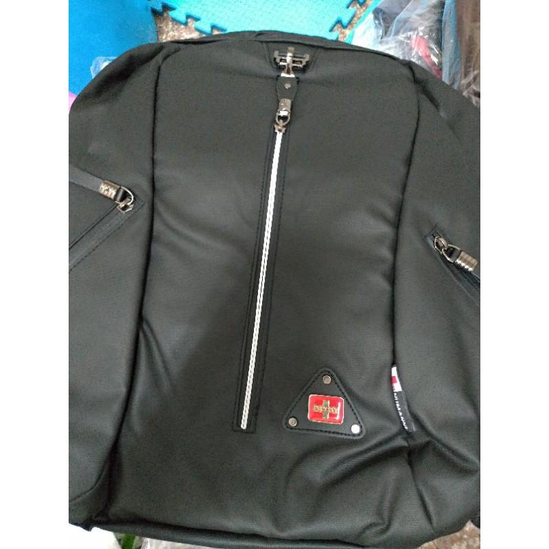 86-B069A【NUMANNI 奴曼尼】造型直條拉鍊電腦後背包