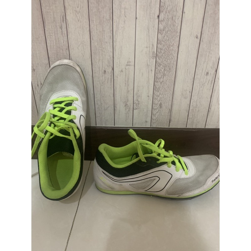 decathlon 迪卡儂 慢跑鞋 釘鞋 帥氣綠24.5cm